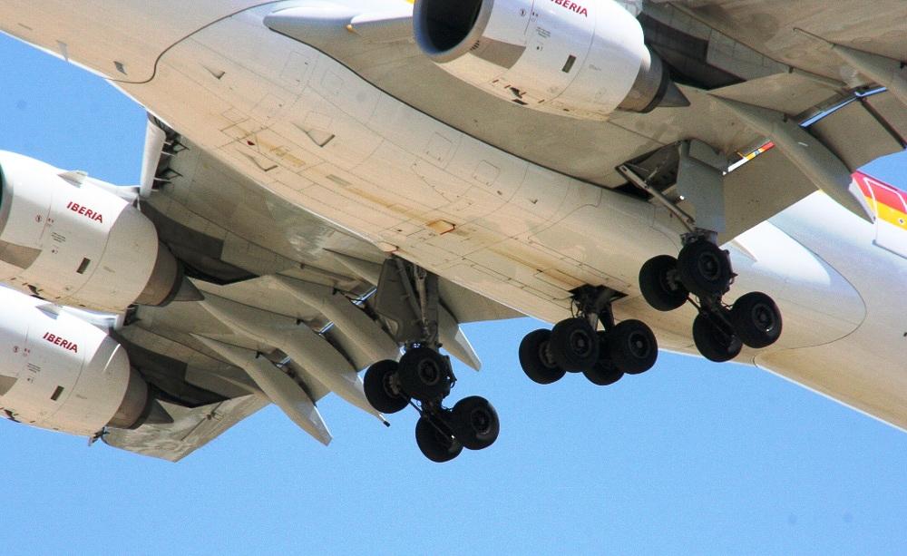 4aae3281c5 Curiosidades  la rueda de un avión