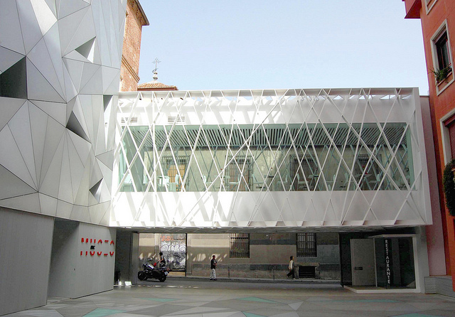 A recently opened free art gallery in Madrid, Funded by the newspaper ABC. www.museoabc.es/ Exhibitions by LORENZO GOÑI and AKIRA KUROSAWA when I was there. Architects: Aranguren and Gallego