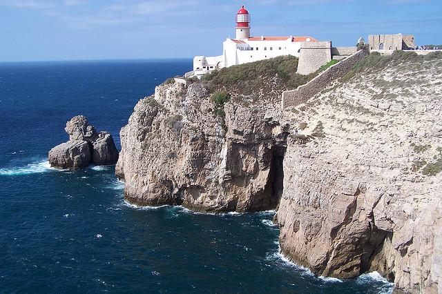 Calas y viento en el cabo de san vicente me gusta volar - Cabo san vicente portugal ...