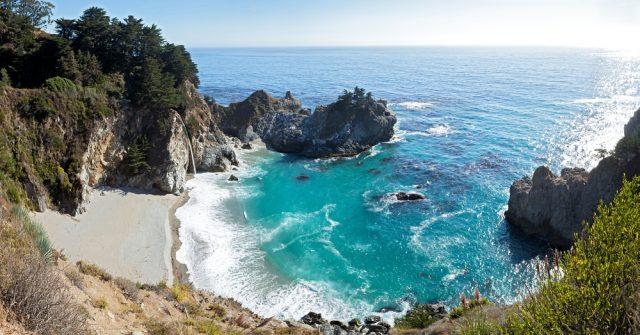 Cataratas McWay California Big Sur Estados Unidos Anton Foltin Shutterstock