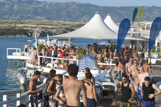 Croatia-Isla-Pag-Costa-Dálmata-175275866-640x425