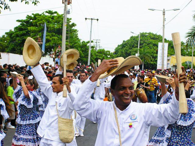 Festival Leyenda Vallenata Colombia Vallenato-min