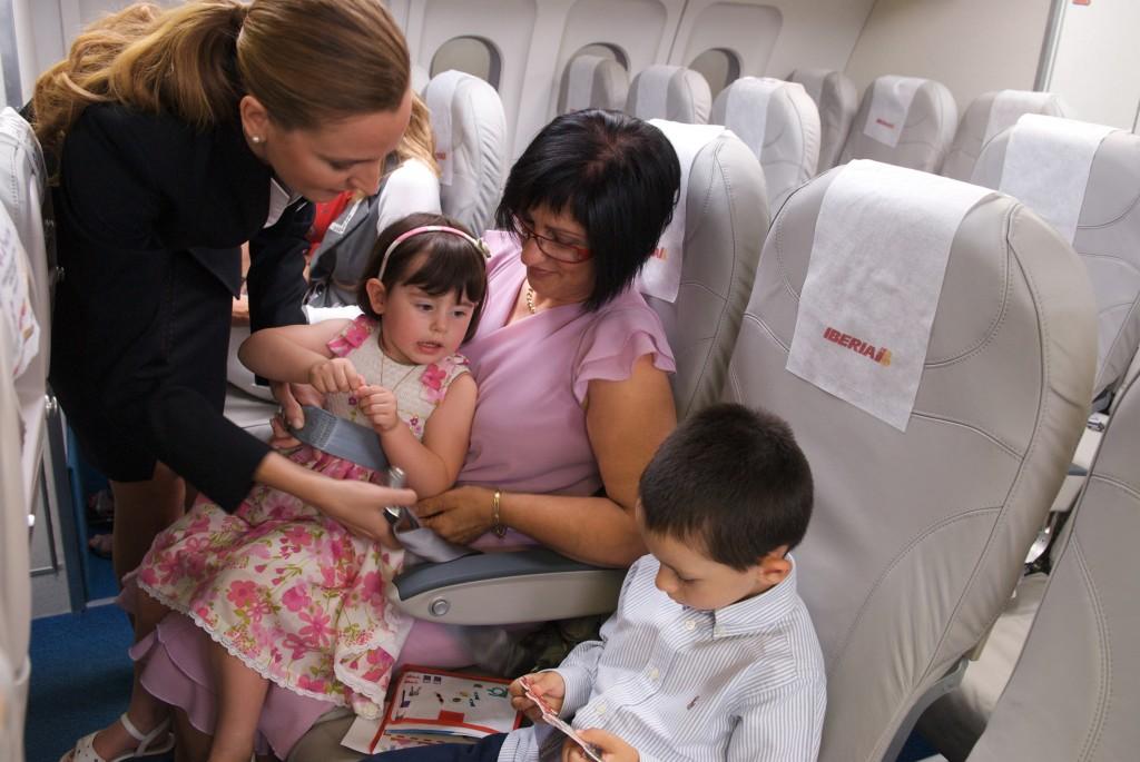 Viajar con beb s puede ser f cil me gusta volar for Sillas para que coman los bebes