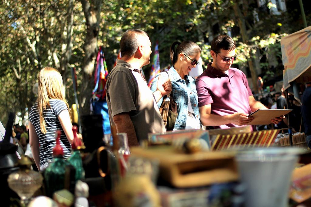 Rastro y tapas el plan perfecto para un domingo en madrid - Mercado antiguedades barcelona ...