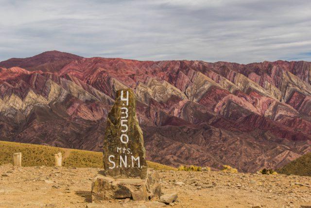Serrania-Hornocal-Argentina-NOA-Jujuy-danilovieira1-Shutterstock