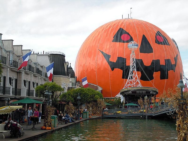 Harald Hoyer Wikimedia Commons Halloween at Europa-Park in Germany