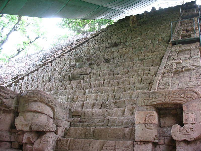 L2F Dec 13 pic Honduras Copan hieroglyphic stairway Wikipedia Elemaki