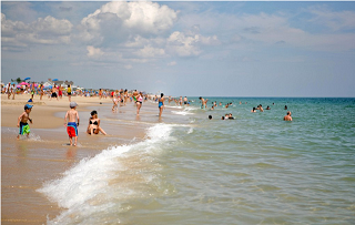 L2F Jul 14 USA NY beaches Coopers beach C Wang