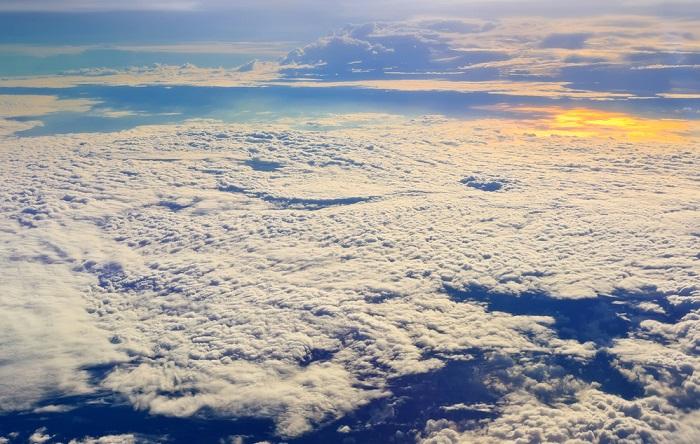 L2F Nov 13 cloudspotting Noppasin shutterstock_140626405