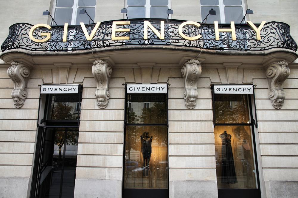L2F Nov 14 Spain Madrid Thyssen Givenchy Paris facade