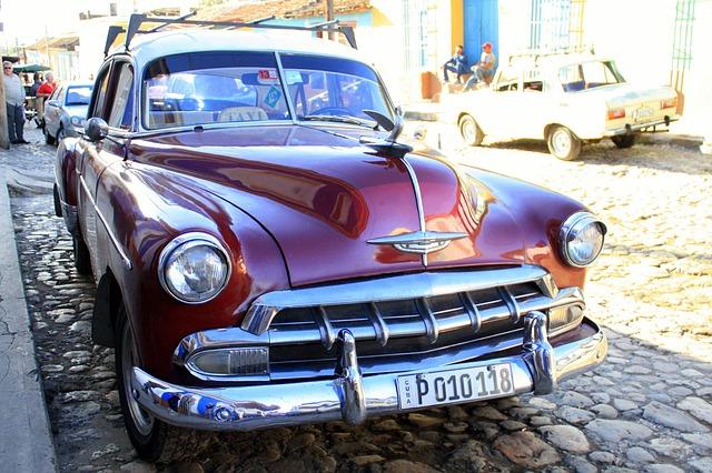 L2F Feb 15 Cuba old car Trinidad Pixabay