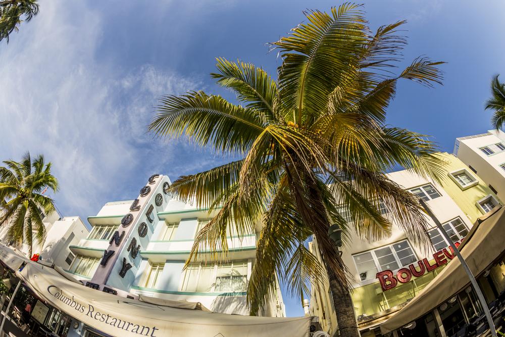 USA Miami Beach, Florida - Ocean Drive Jorg Hackemann shutterstock_212001811