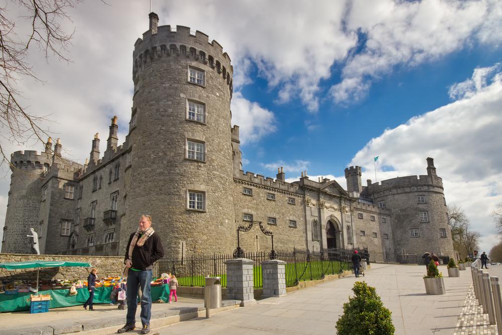 Ireland Kilkenny Castle Shutterstock littleny