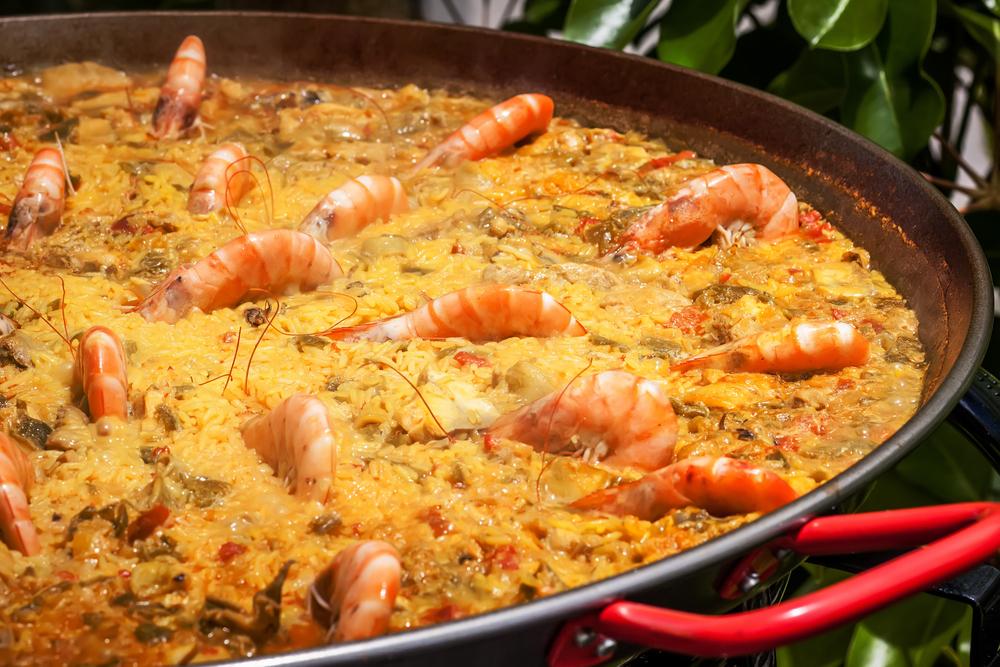 L2F Mar 15 pic Spain food greatest hits paella Shutterstock Ramon grosso dolarea