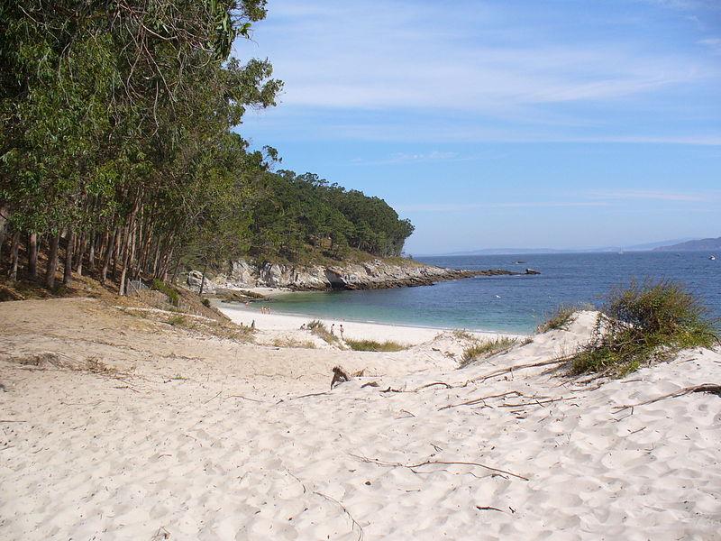 Spain Galicia Vigo Islas Cíes Figueiras nude beach - Mário José Martins Flickr/Wikipedia