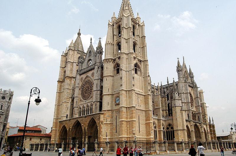 Spain's León cathedral - Nacho Traseira, Wikipedia