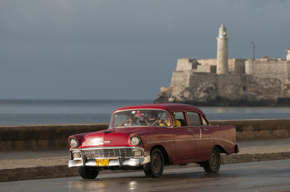 Cuba Havana El Morro-Malecón-old car lazyllama shutterstock_279160181