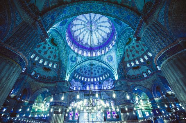 Turkey Istanbul Blue Mosque interior Yarygin shutterstock_185429441