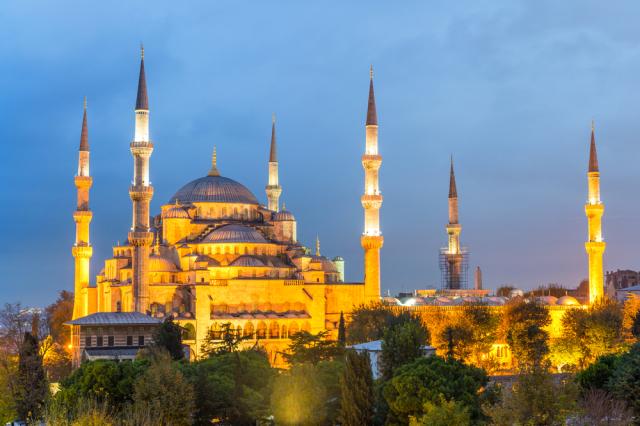 Turkey Istanbul Blue Mosque pisaphotography shutterstock_245240029