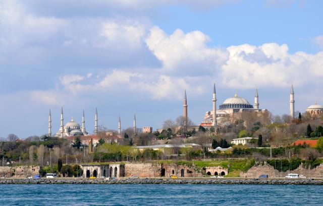 Turkey Istanbul Hagia Sophia Blue Mosque Tolga TEZCAN shutterstock_262982672