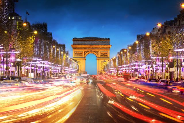 senior boomer travel Paris France IM_photo shutterstock_124132723