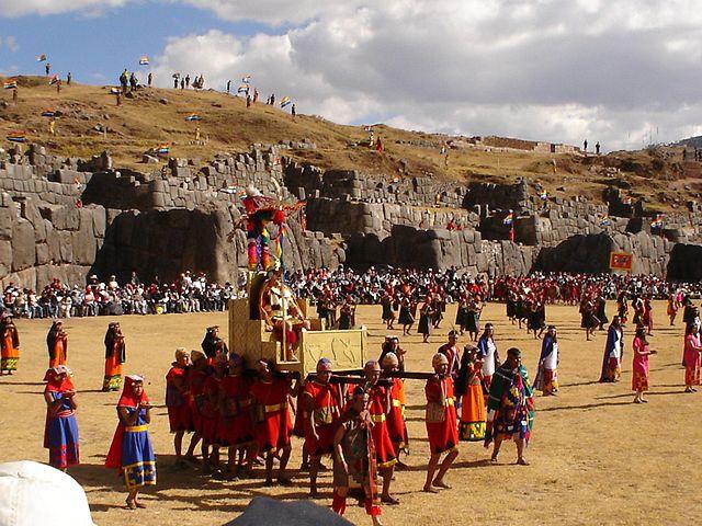 L2F Oct 15 pic Peru Cuzco Cusco Sacsayhuaman Inti Raymi Cyntia Motta Wikipedia