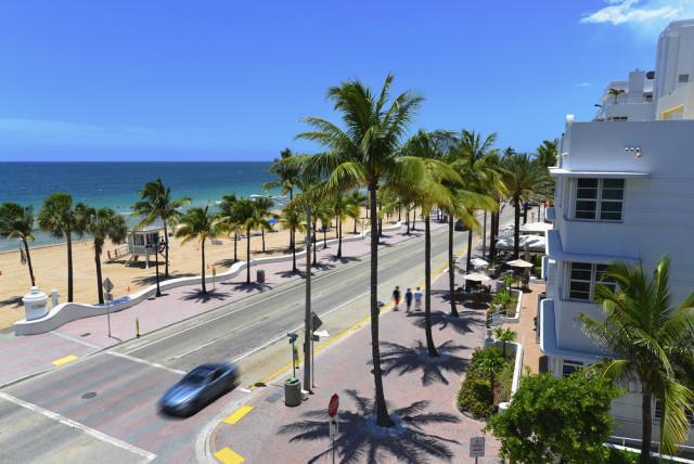 USA Florida Fort Lauderdale beach Atlantic Boulevard ddmirtshutterstock_207754261