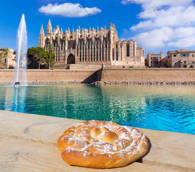 L2F-Dec-15-pic-Spain-Majorca-Palma-de-Mallorca-cathedral-ensaimada-holbox-shutterstock_263981489