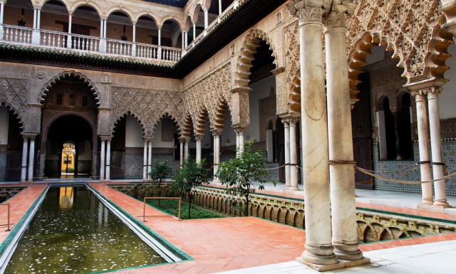 Spain Islamic Moorish Moors Seville Alcázar Patio de las Doncellas Barone Firenze shutterstock_50881381