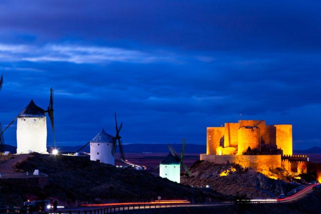 Spain La Mancha Consuegra windmills-castle David Acosta Allely shutterstock_103960073