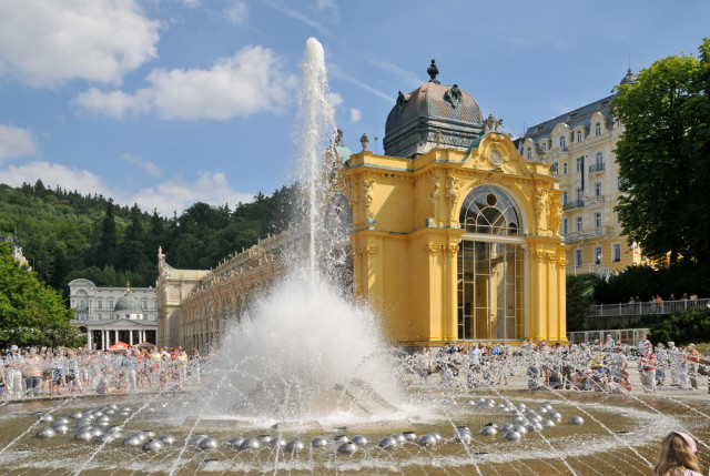 Czech Republic Marianské Lázne singing fountain Pavel Kosek shutterstock_16852009