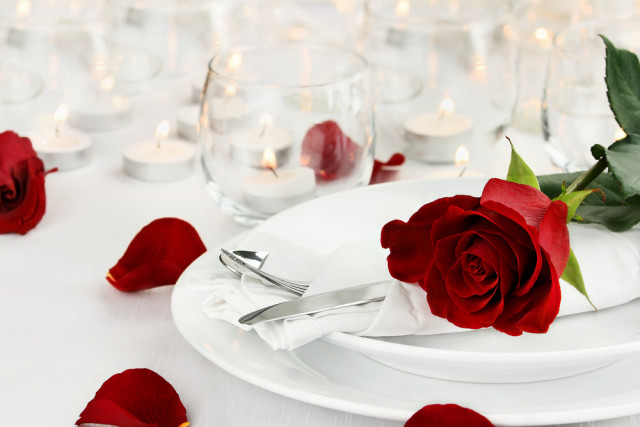 Valentine's Day romantic dinner Stephanie Frey shutterstock_356977412