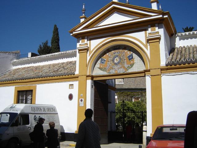 L2F Mar 16 pic Spain Andalusia Seville Palacio de las Dueñas entrance Lobillo Wikipedia