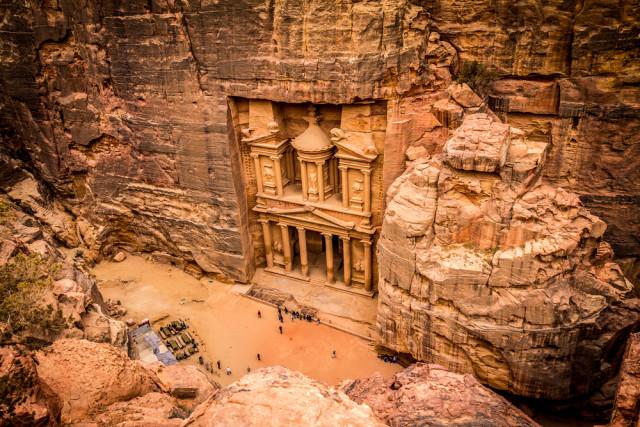 L2F Jordan Petra Treasury Pocholo Calapre shutterstock_188863790