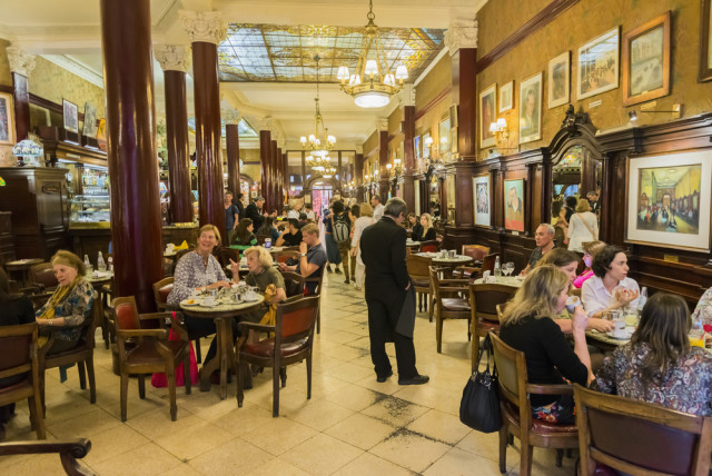 Argentina Buenos Aires Gran Cafe Tortoni Sergio Schnitzler shutterstock_213222187