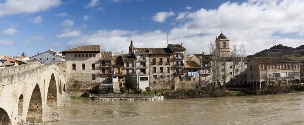 Spain Navarre Navarra Puente la Reina Tramont_ana shutterstock_126834854