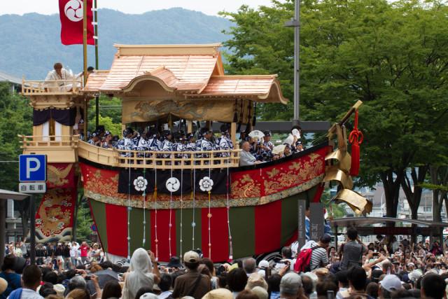 japan-kyoto-gion-matsuri-festival-kqlsm-shutterstock_206820544