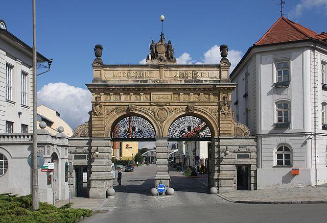 l2f-sep-16-pic-czech-plzen-plzensky-prazdroj-entrance-tmv23-flickr