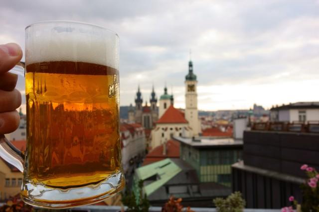 l2f-sep-16-pic-czech-prague-beer-jekurantodistaja-shutterstock_331969676