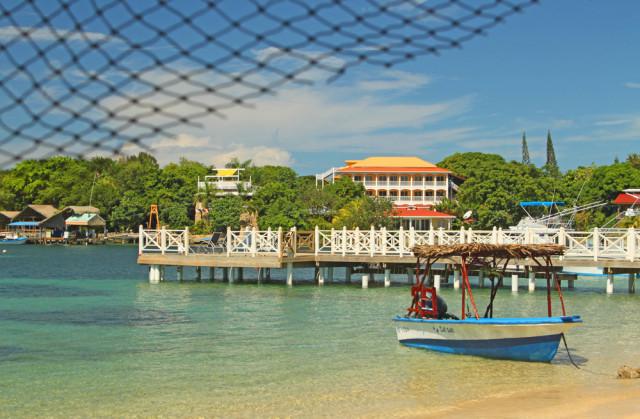 Honduras Roatan West End Beach Renee Vititoe shutterstock_171623777