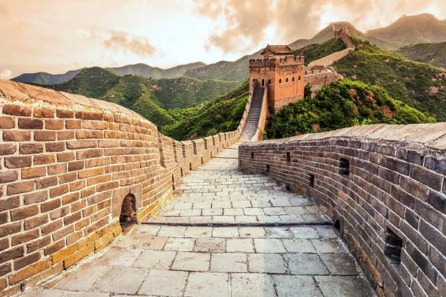l2f-oct-16-pic-china-beijing-great-wall-zhu-difeng-shutterstock_273958775