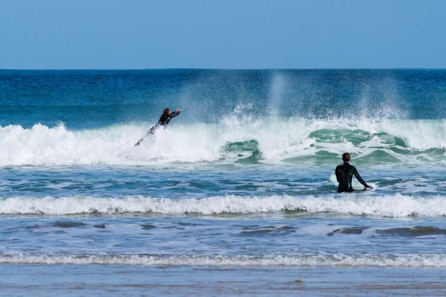 l2f-oct-16-pic-uk-england-cornwall-newquay-surfers-francesco-carucci-shutterstock_29936224