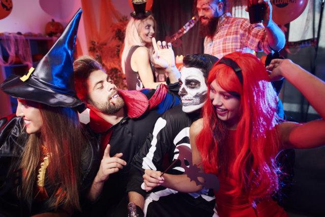 l2f-oct-16-pic-usa-halloween-destinations-party-gpointstudio-shutterstock_477330439