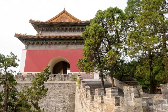 l2f-sep-16-pic-china-beijing-ming-tombs-vitaliy-hrabar-shutterstock_266730020