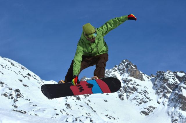 l2f-nov-16-pic-switzerland-ski-snowboarding-verbier-shutterstock_163396793