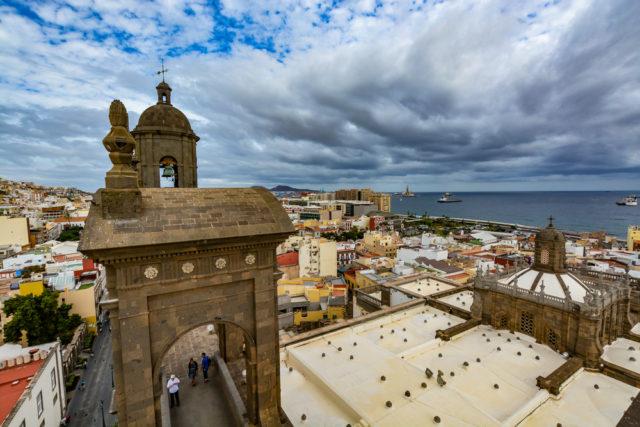 l2f-dec-16-pic-spain-canary-islands-gran-canaria-las-palmas-view-from-catedral-santa-ana-shutterstock_374657347