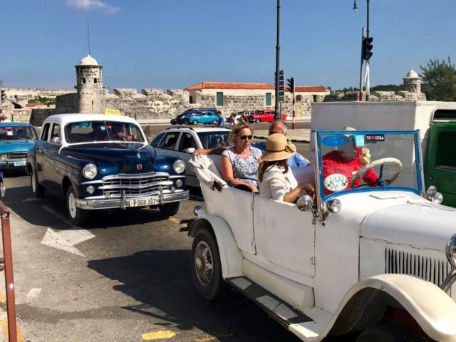 L2F Jan 17 pic Cuba Havana classic cars 1930s model with fortress