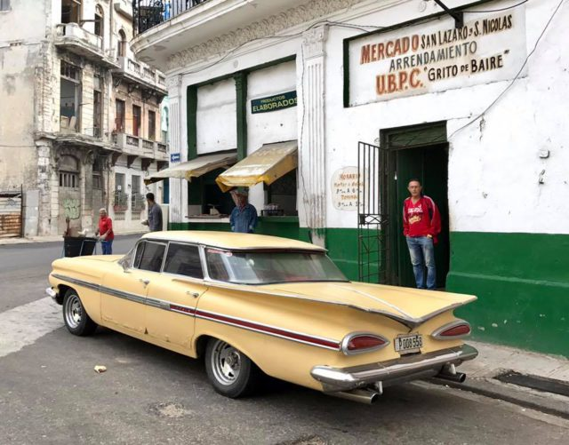 L2F Jan 17 pic Cuba Havana classic cars yellow 60s with fins