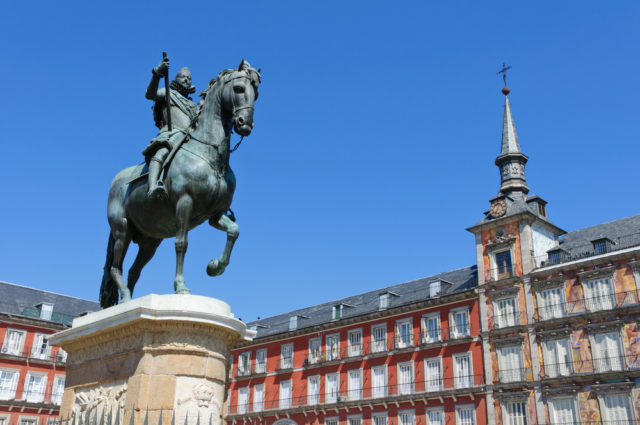 L2F Jan 17 pic Spain Madrid Plaza Mayor Philip III statue shutterstock_202252336