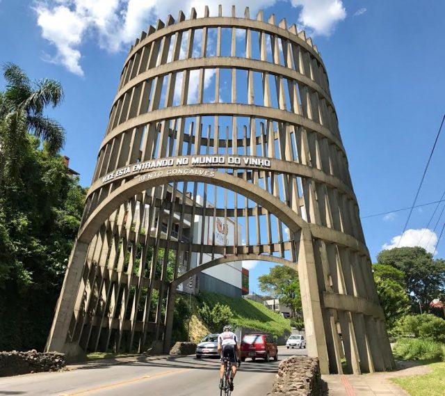 L2F Mar 17 pic Brazil Vale Vinhedos Bento Goncalves gateway DPA